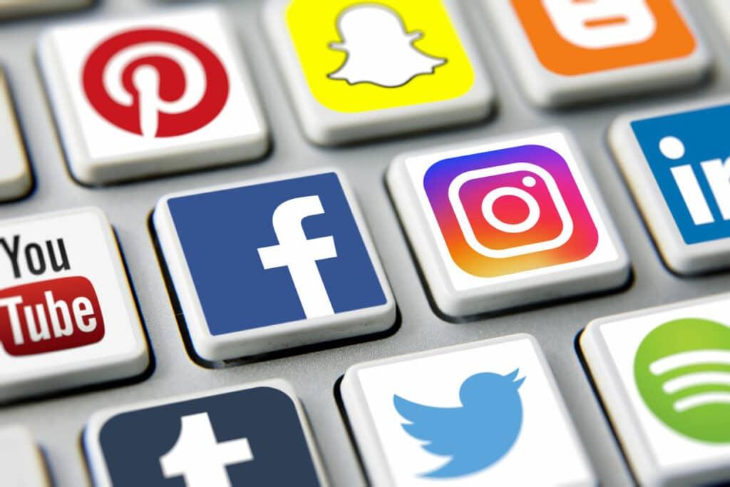 365j.me 230条款为互联网发展提供了法律保障 特朗普为何要废除保护美国互联网公司的230免责条款?
